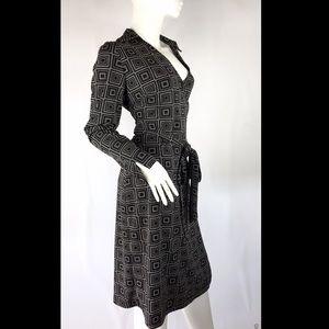 Express wrap black long sleeve dress geometric